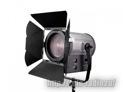 GreenBean Fresnel 300 LED X3 DMX